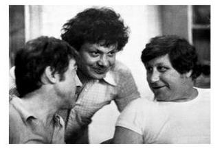 Высоцкий и администраторы В.Янклович (в центре) и В.Гольдман.  Зарафшан, 23.07.1979 г.  Фото из коллекции И.Попова (Москва)